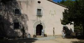 L'any 1986, el Col·lectiu Ronda va adquirir i començar a restaurar Can Fulló, una masia del segle XVIII enmig de la natura al Maresme