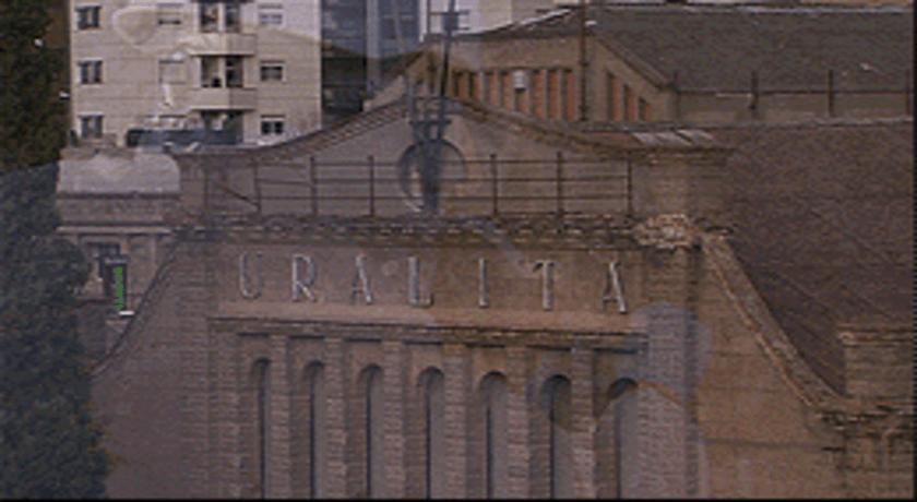 La fàbrica d'Uralita a Cerdanyola. Fotograma del documental 'Exposats a l'amiant'